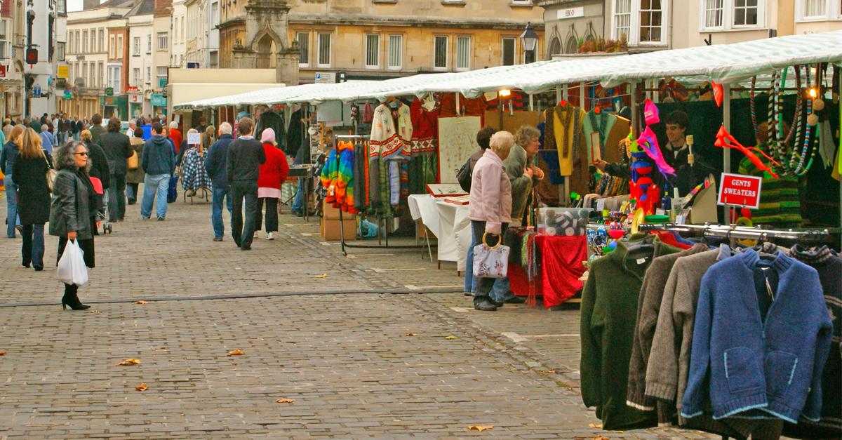 Mercadillos donde comprar ropa de segunda mano - Mercadillo segunda mano barcelona ...