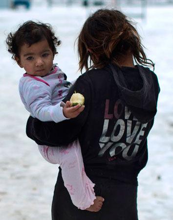 Firma para que la Unión Europea reubique a los refugiados ante la ola de frío