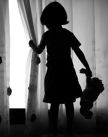 Firma para que las denuncias de abusos sexuales infantiles no prescriban hasta que la víctima cumpla 30 años