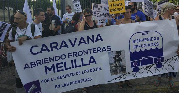Activistas durante la marcha en Madrid (Facebook: Caravana Abriendo Fronteras)