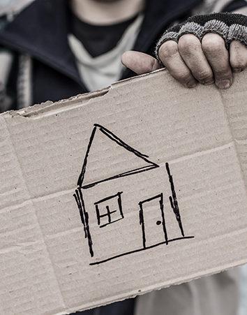 Protección del Estado para las personas sin hogar. ¡Firma para que todo el mundo tenga un techo en invierno!